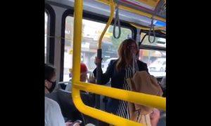 violencia, agresión, covid-19, escupir, pasajeros, video viral