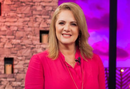Erika Buenfil, Netas Divinas, Televisa, programa, artista