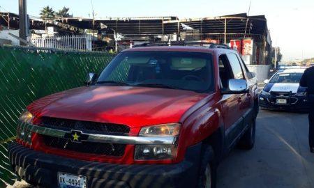 FGE detiene sujeto, robo de vehículo, carretera libre Tijuana-Tecate,