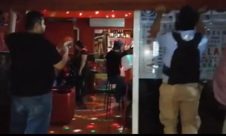 Bar, secreto, escondido, escondidas, operando, Acapulco, Guerrero, covid-19, coronavirus, restricciones