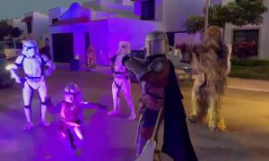 The Mandalorian, niño, disfraz, video viral,